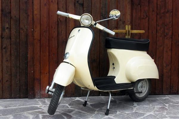 vespa-1962-S50-vintage-tours