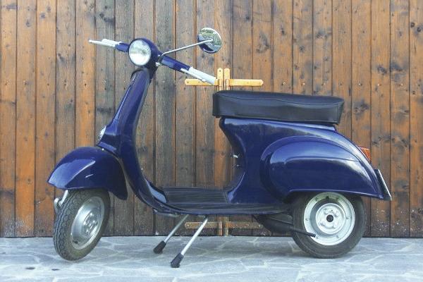 vespa-1964-S50-vintage-tours
